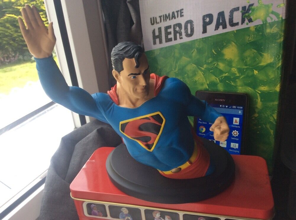 2002 dc direct numbeROT golden age superman statue 1337/2500