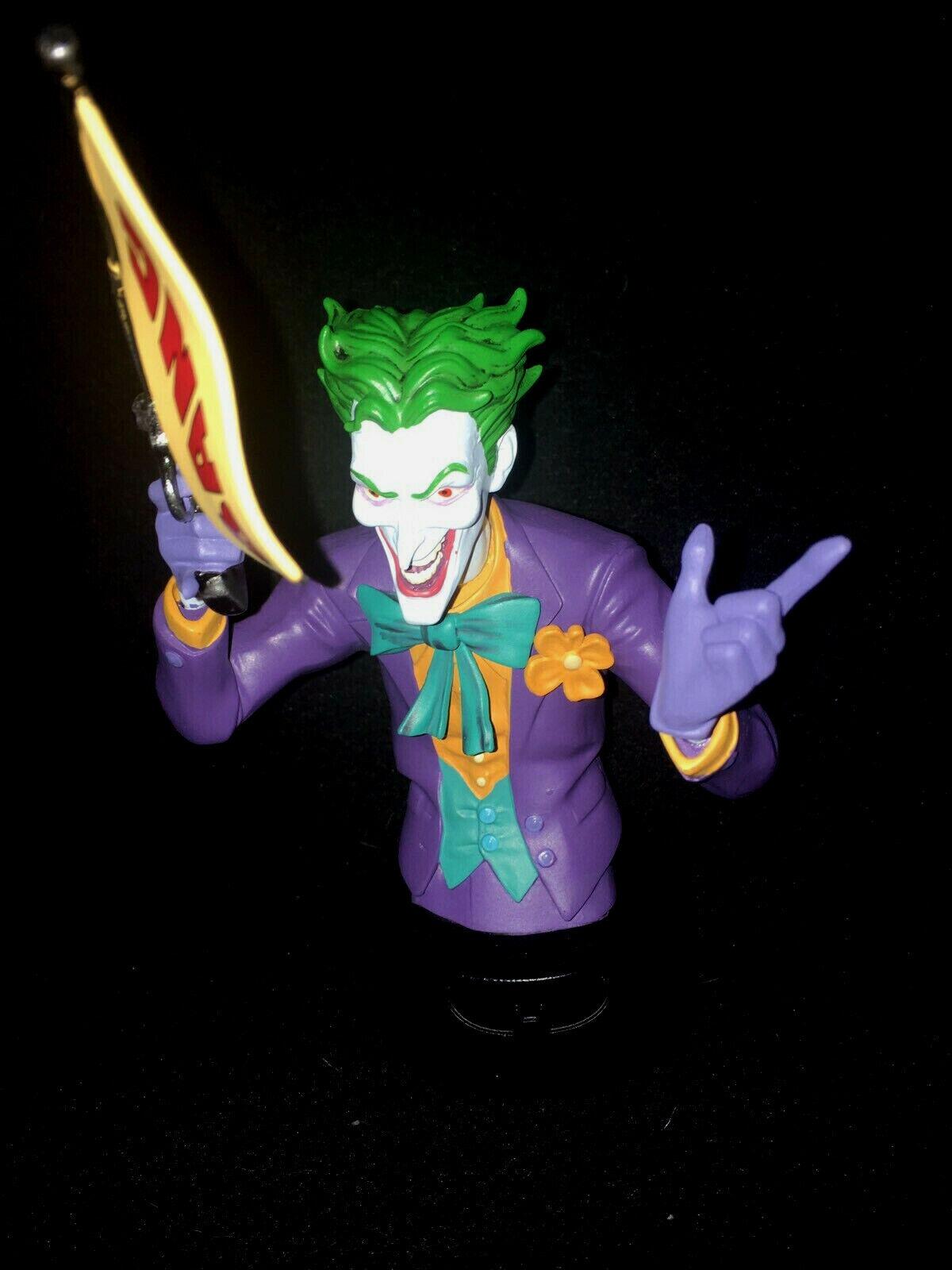 JOKER Arkham City Batman DC Comics, Figurine Buste Sous Blister + Fascicule.