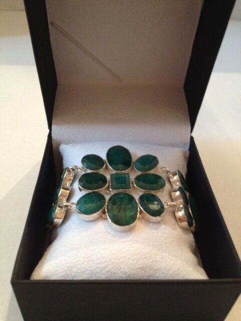 GLA CERTIFIED $13,381 EMERALD GREEN BERYL BRACELET WITH 166.34 TOTAL CARATS