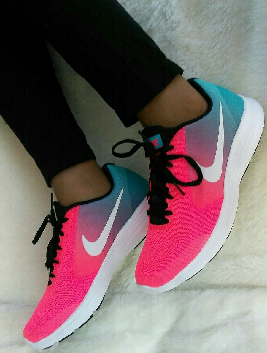 8 WOMEN'S Nike RVLTN Running trainning casual Multicolor PINK RAINBOW ONE COLOUR