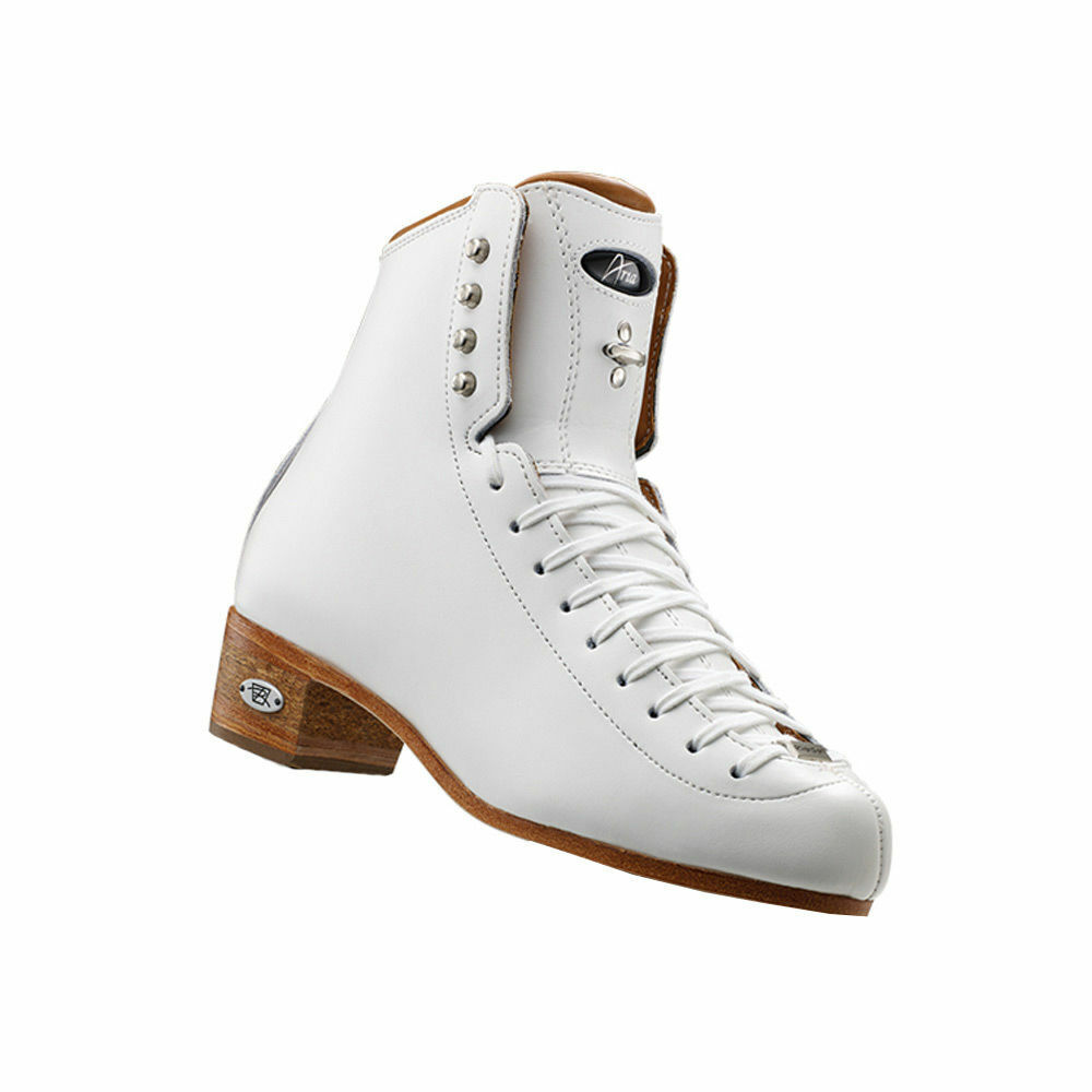 Riedell Aria skating boots sizes 4 1 2, 6 1 2, 7....NEW
