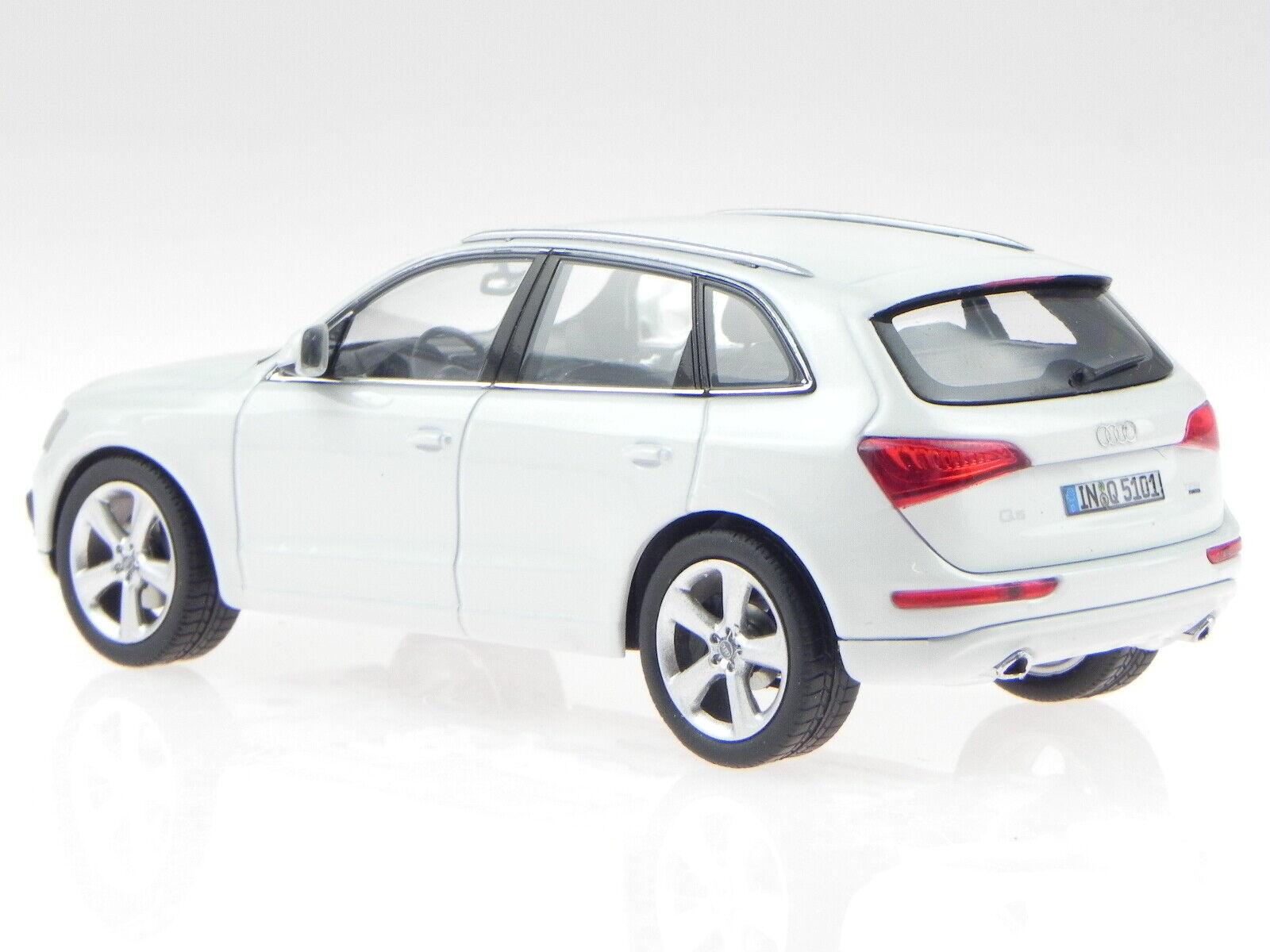 Audi Q5 PA white modelcar 450756000 Schuco 1 43 43 43 00b1b3