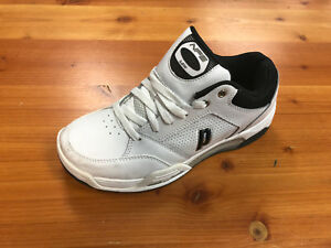 2ac7f6e5c3cdf9 Men s Prince NFS Viper VII Low Preowned Tennis Shoe Size 7