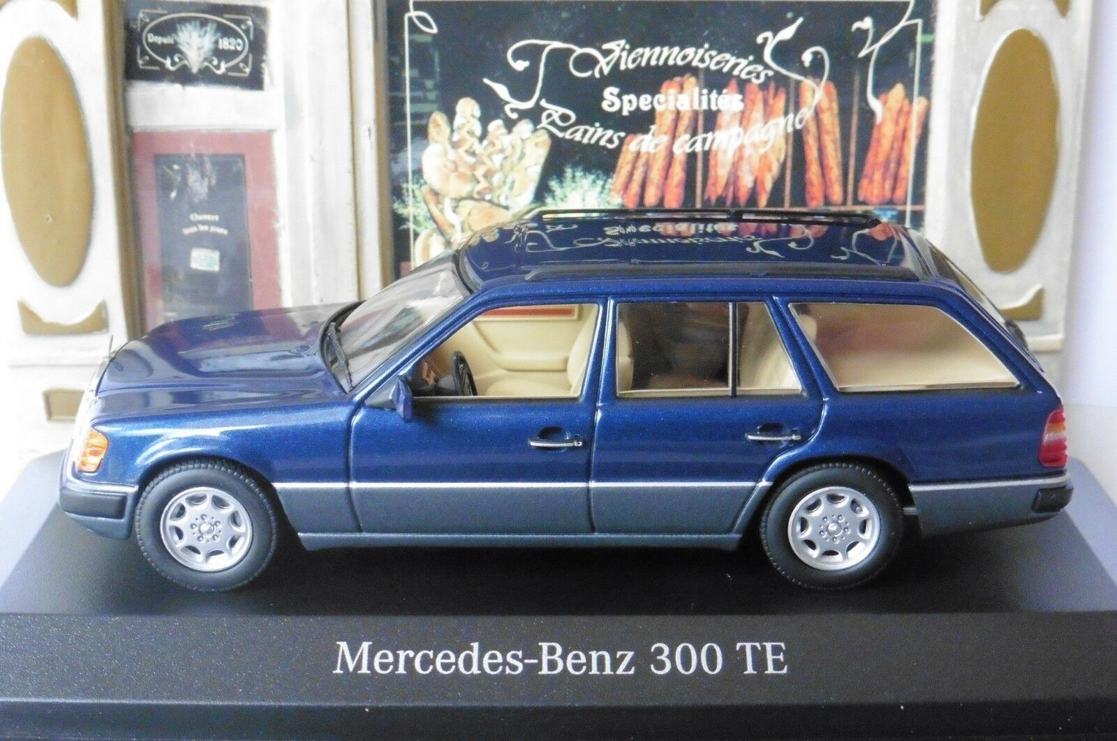 MERCEDES 300 TE BREAK NAUTIC blu S124 1990 MINICHAMPS B66041029  SW blu