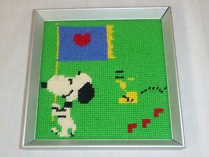 Vtg-1977-Framed-Needlepoint-Picture-Snoopy-Woodstock-Peanuts-Heart-Flag