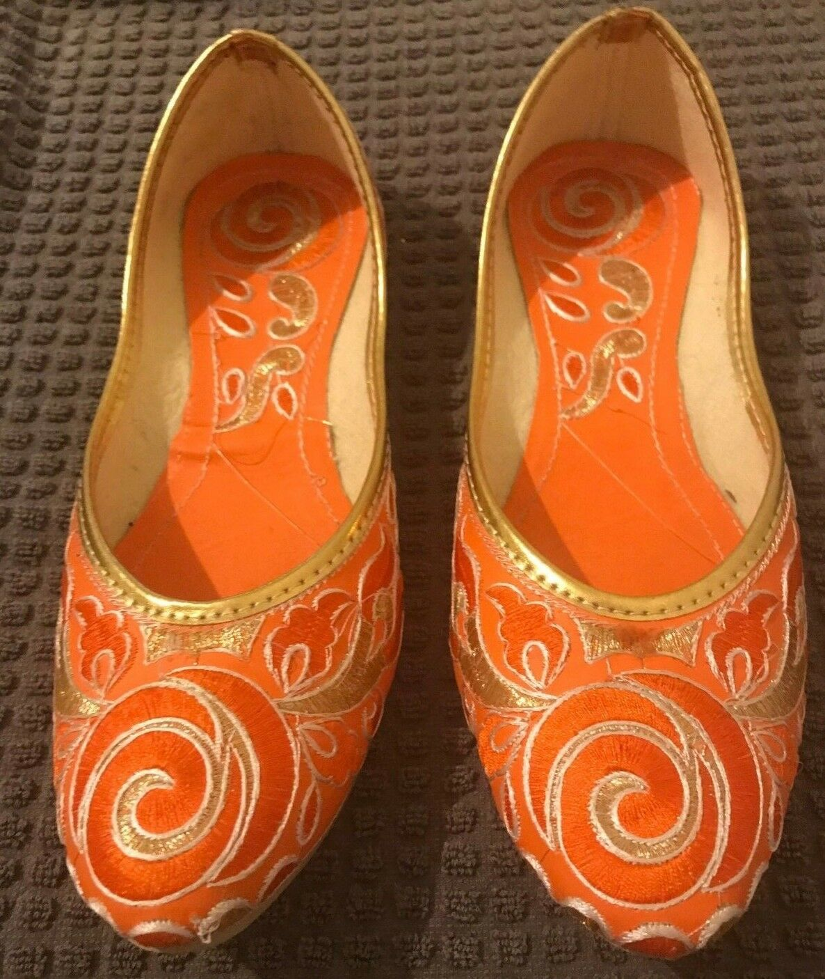 Chaussures Femme 8 chaussure indien traditionnel Plat Ballet Slipper Orange or broderie AMOUR