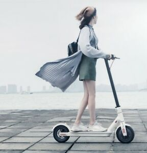 Xiaomi M365 Electric Scooter, Foldable 15 5mph, 18 miles