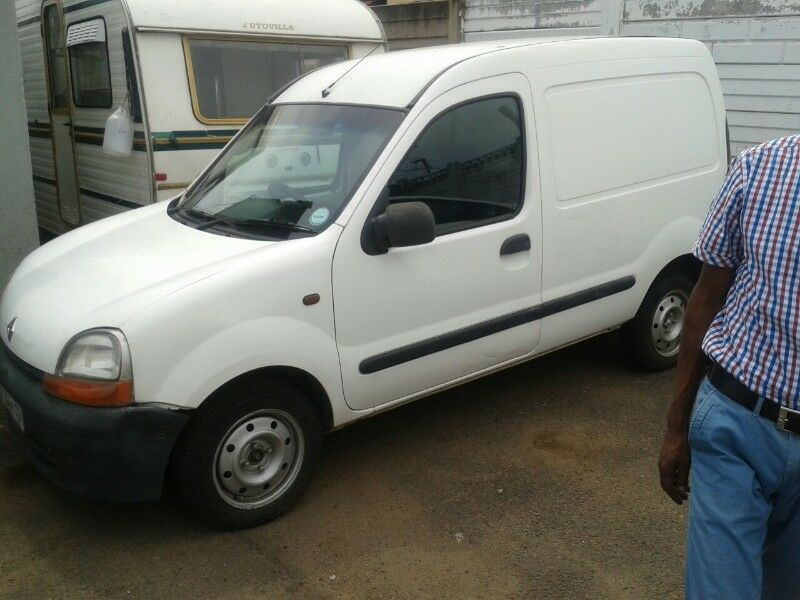 Renault Kangoo Diesel stripping for spares