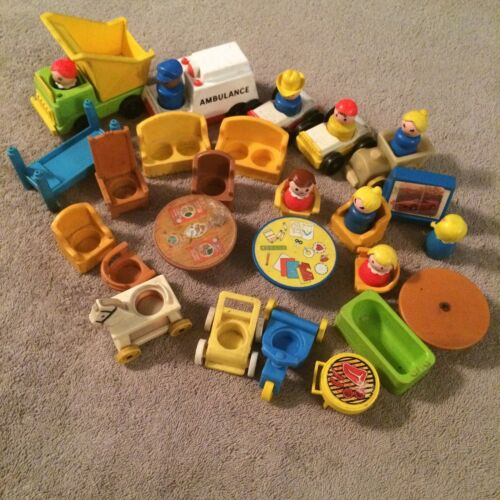 Mixed Lot Vintage Wood & Plastic Fisher Price Little People Cars Furniture