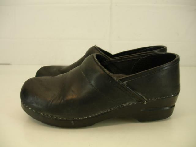 Womens 10.5 11 41 Dansko Pro Professional Black Oiled Leather Clogs Stapled shoes