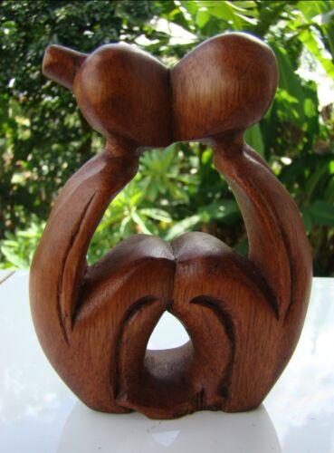 """Statuette abstraite couple baiser /""""Tendresse/"""" mariage en bois de suar Indonésie"""