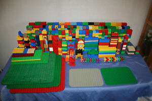 lot lego duplo vrac plaques briques divers toutes couleurs. Black Bedroom Furniture Sets. Home Design Ideas