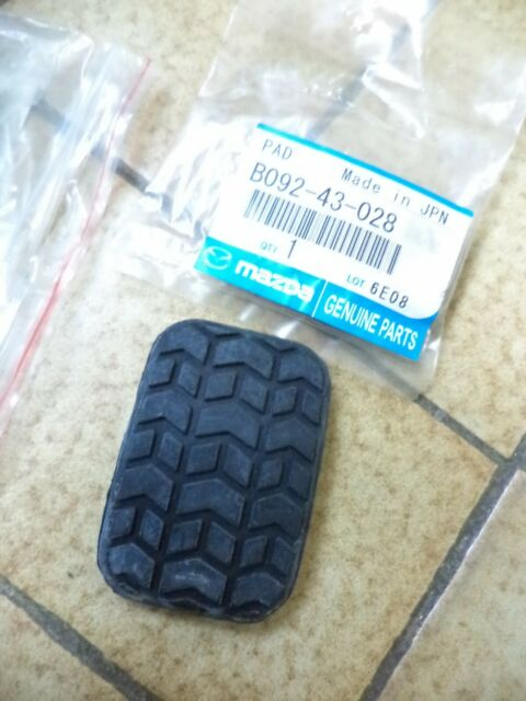 n°sa341 caoutchouc pedale frein embrayage mazda mx5 b09243028 neuf
