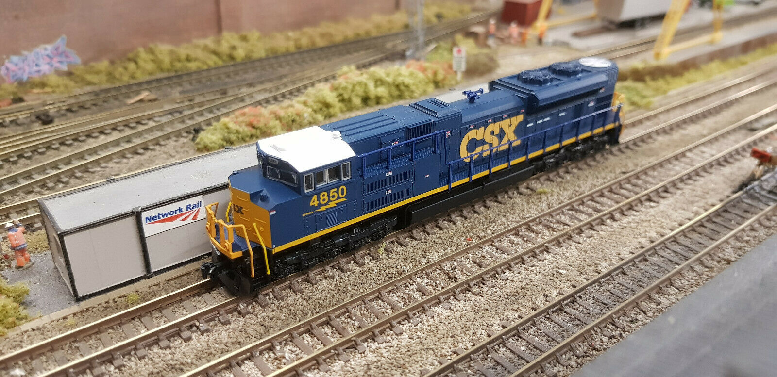 176-8437 Kato SD70ACe CSX N Scale Locomotive  4850