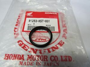 NOS HONDA SWING ARM CAPS PAIR CR 125 250 500 1988 1989 1990 1991 52161-KS7-831