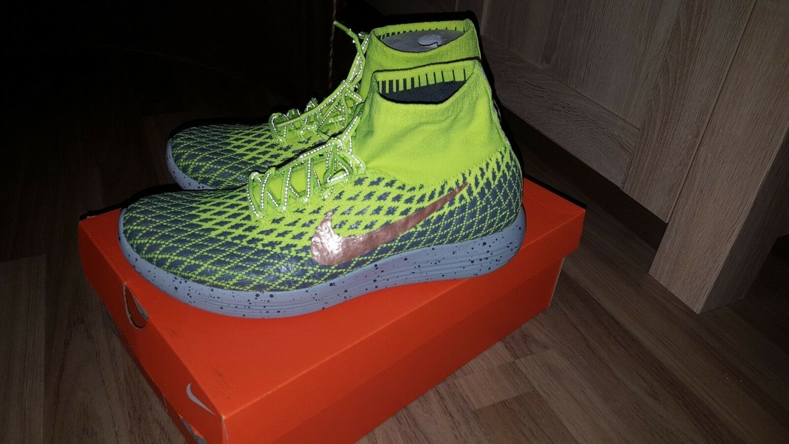 Neue NIKE LUNAREPIC FLYKNIT Shield gelb 44 US 10 Neongelb OVP out of sale
