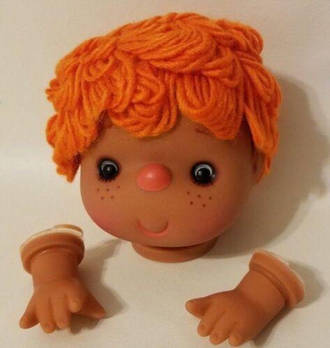 "VTG  Darice Craft 4/"" Vinyl Doll Head /& Hands Orange Yarn Hair Dark Skin 50018C"