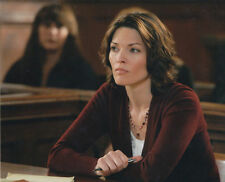ALANA DE LA GARZA UNSIGNED PHOTO - 569 - LAW & ORDER