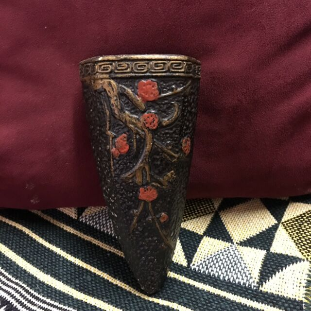 Vintage Black Wall Pocket Red Floral w/Greek Key Border Made in Japan 6