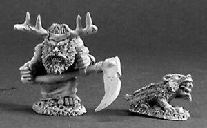 Reaper-Miniatures-03216-Dwarf-Druid-and-Badger-DHL