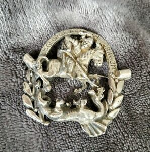 Vintage-St-George-and-the-Dragon-silvertone-Brooch