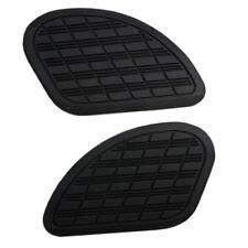 Zwei Gummi Motorrad Tankpad Kniepad schwarz für Benzintanks Cafe Racer 18x11 cm