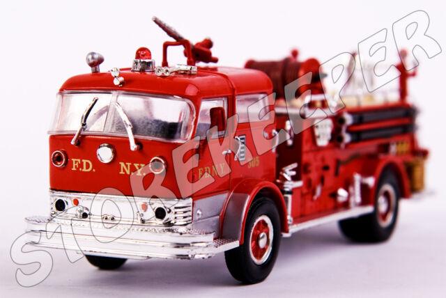 Fire Truck Mack C Pumper 1958 USA  - 1:64