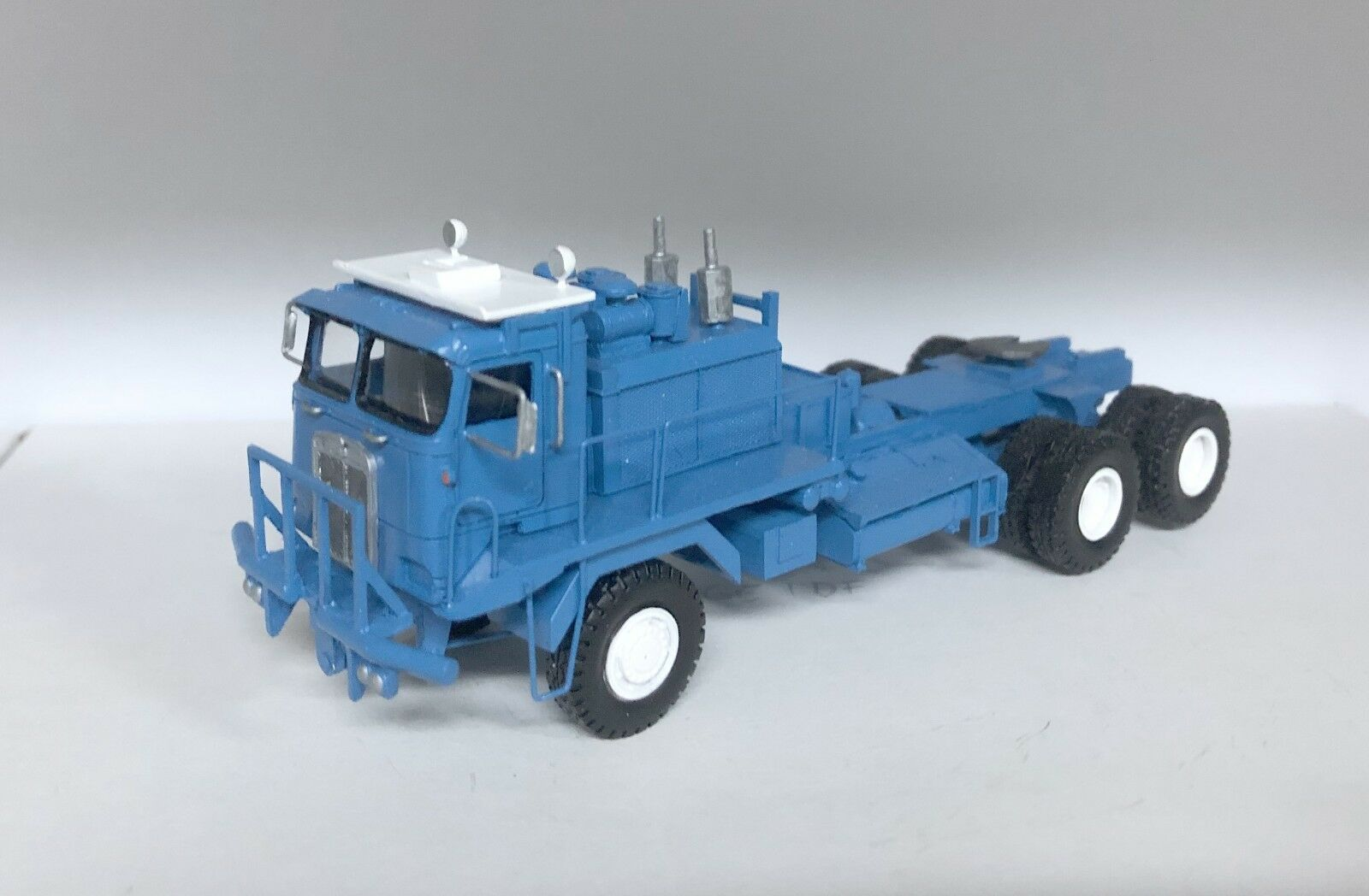 HO 1 87 Kenworth 993 COE Oilfield - bluee - Ready Made Resin Model