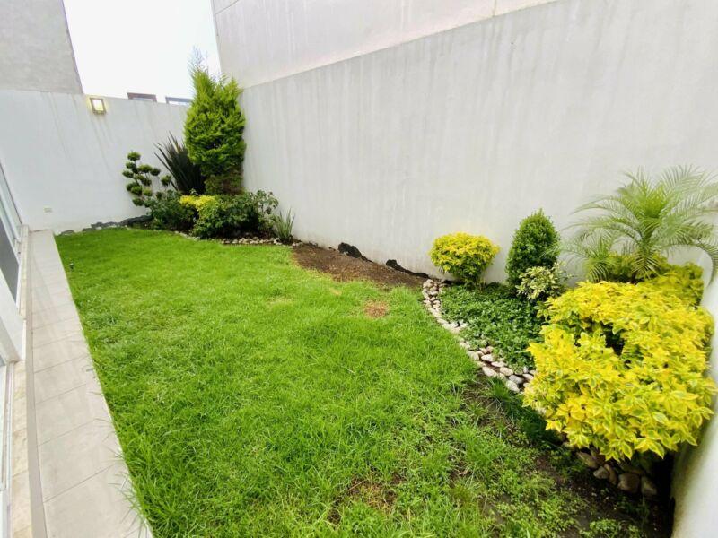 Gran Oportunidad de  Casa en Renta en Parque Zacatecas en Lomas de Angelopolis