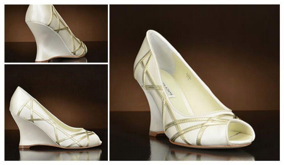NEU 75%OFF BENJAMIN ADAMS Ivory Duchess Silk UK4/4.5 Wedding Heels Schuhes RP
