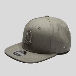 dfa7a510dd1d New Era Mens MLB Detroit Tigers 9Fifty Snapback Cap Green Sports ...
