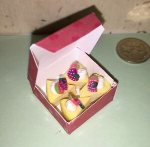 GORGEOUS-DOLLHOUSE-Mini-Food-4-LEMON-CAKE-SLICES-in-BOX-for-BARBIE-PARTY