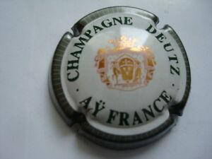 """Capsule de Champagne DEUTZ (30) - France - État : Occasion: Objet ayant été utilisé. Consulter la description du vendeur pour avoir plus de détails sur les éventuelles imperfections. ... Marque: Deutz Nombre de pices: 1 Type: Capsule """"Champagne"""" - France"""