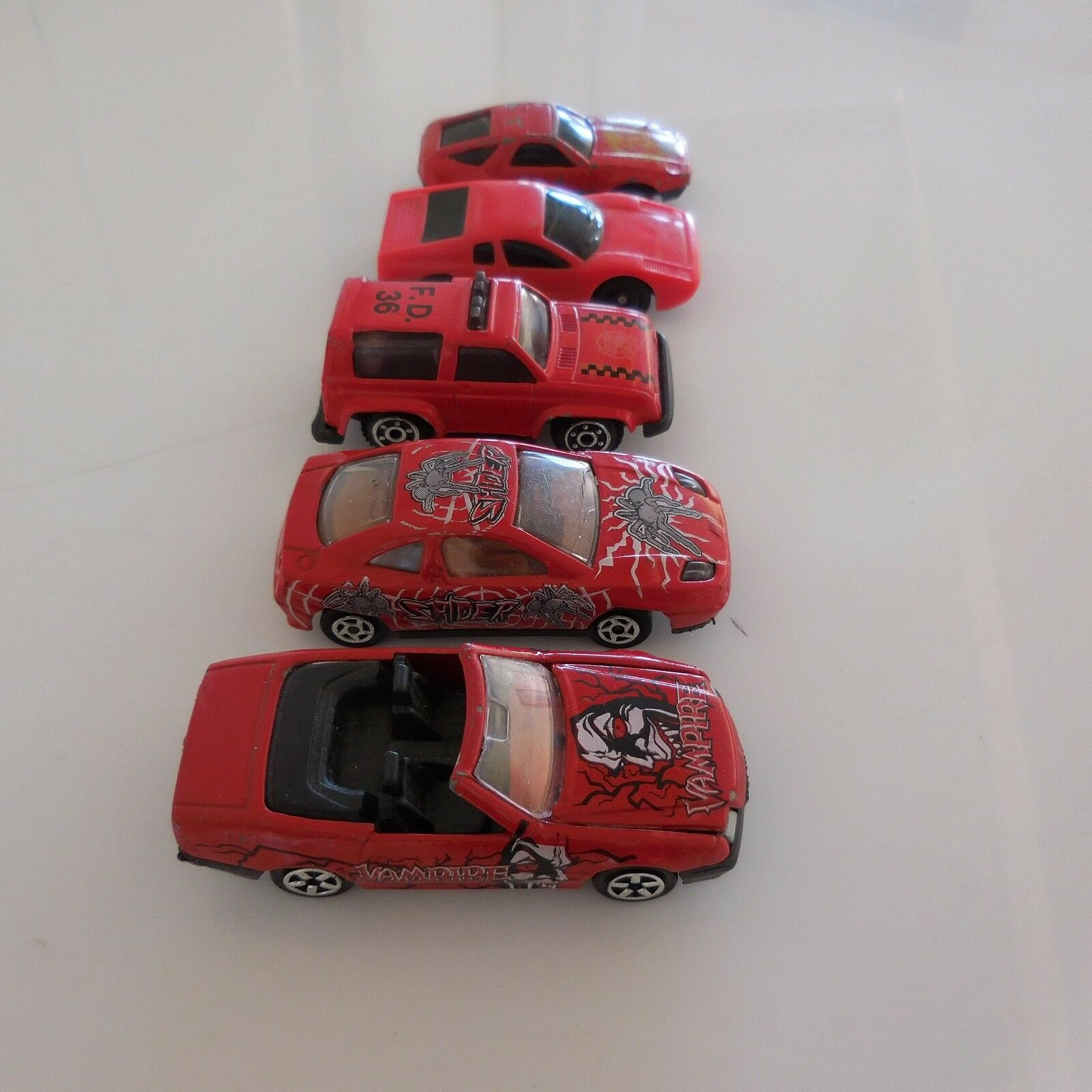 5 Cars Miniatures rot Mercedes 500 SL Fiat Coupe Majorette