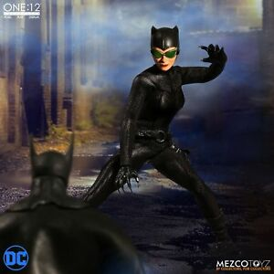 Mezco-Catwoman-One-12-Collective-DC-Universe-Action-Figure-In-Stock