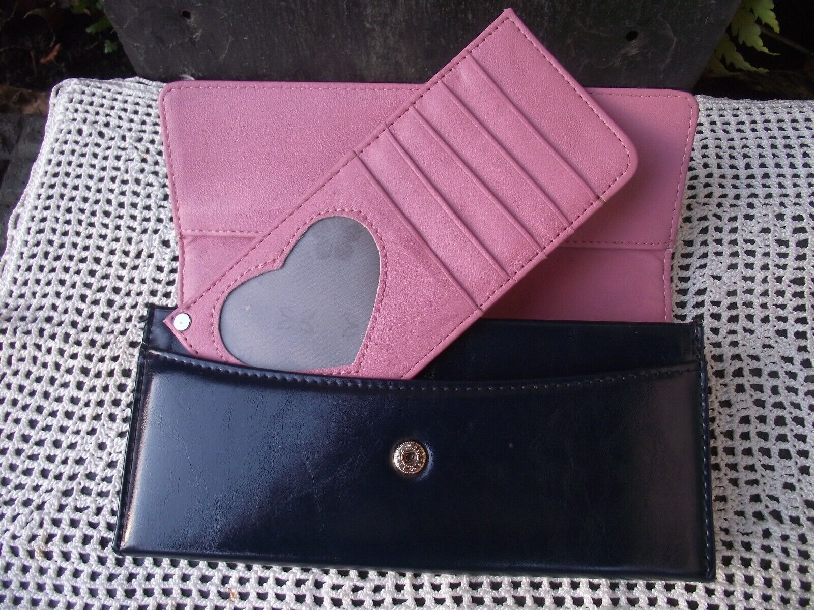 Faux or Real Leather ? Dark Blue Pink Interior Multi Compartment Purse Wallet