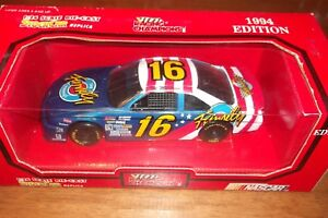 1994 Racing Champions 1:24 Diecast NASCAR Ted Musgrave The Family Channel Ford