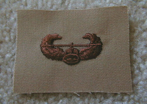 Un-Issued/> U.S Desert TAN - cloth Army AIR ASSAULT Wing