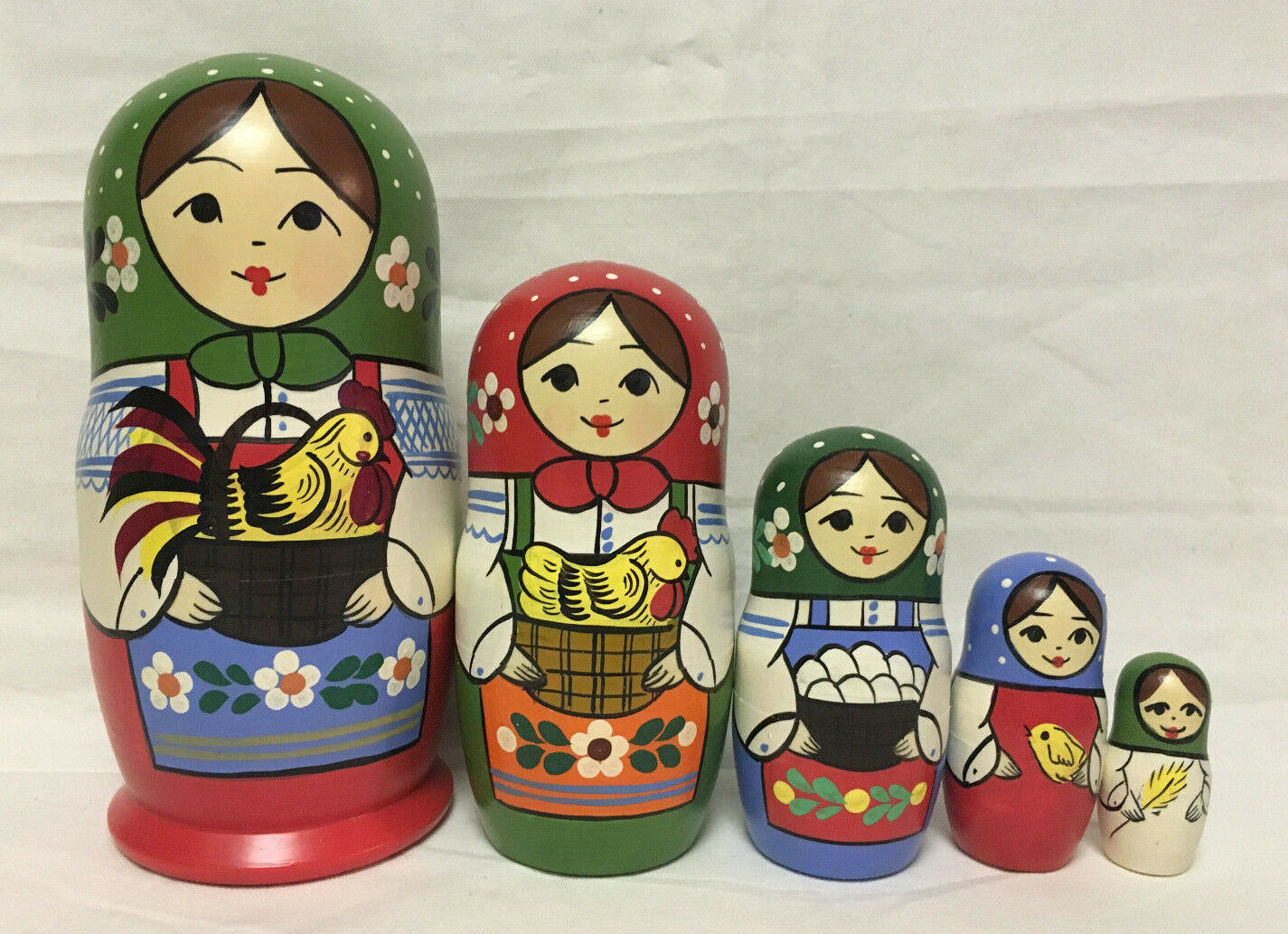 Russian Matryoshka Russian Wooden Nesting Dolls - 5 pieces  19