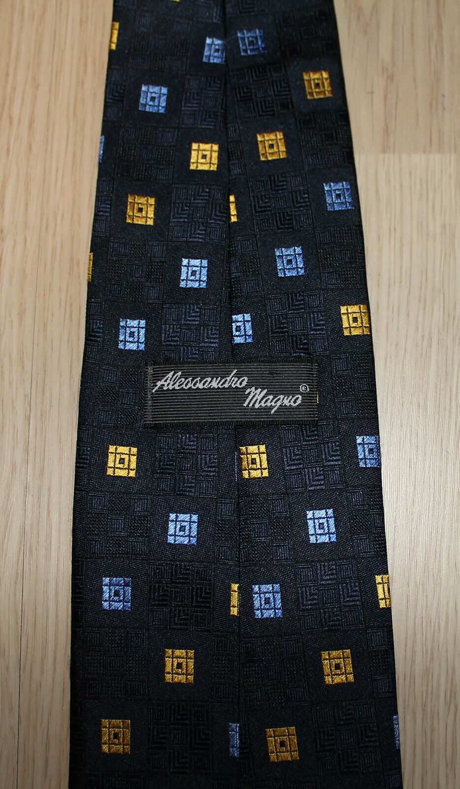 * Alessandro Magno * Herren Krawatte Dunkelblau Hellblau Gelb gemustert