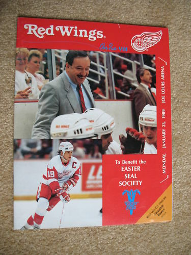 1989 RED WINGS EASTER SEAL DINNER PROGRAM YZERMAN COVER