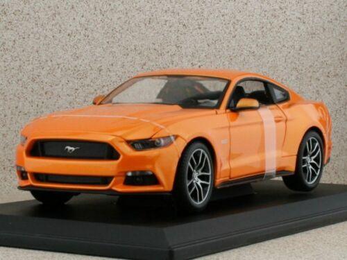 2015 orangemetallic FORD Mustang Maisto 1:18
