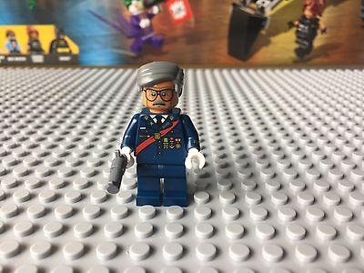 LEGO Commissioner Gordon Minifigure Minifig New from 70908 Scuttler Batman