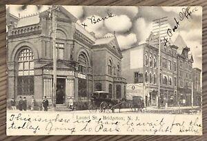 BRIDGETON-NEW-JERSEY-LAUREL-STREET-VIEW-OF-BANK-AND-POST-OFFICE-POSTCARD-M10