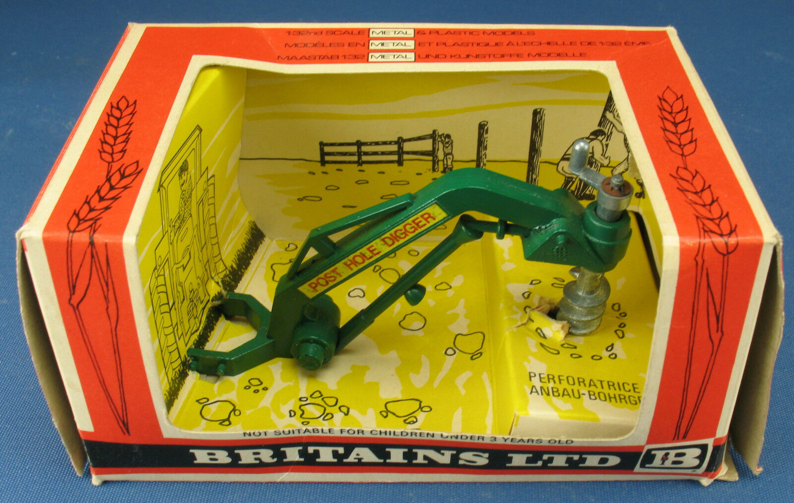 BRITAINS 9600 - Anbau-Bohrgerät - Post Hole Digger - 1 32 - in OVP   in Box