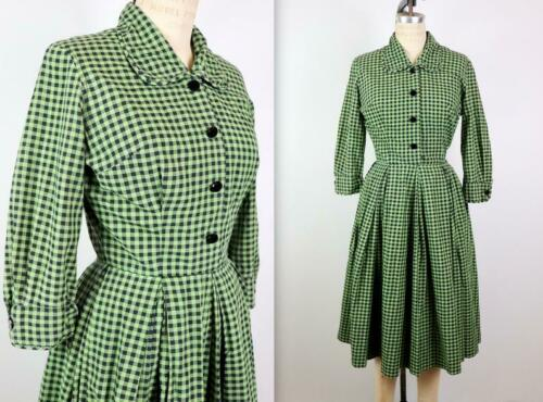 Vintage 1950s TABAK Green Plaid Holiday Cotton Fit