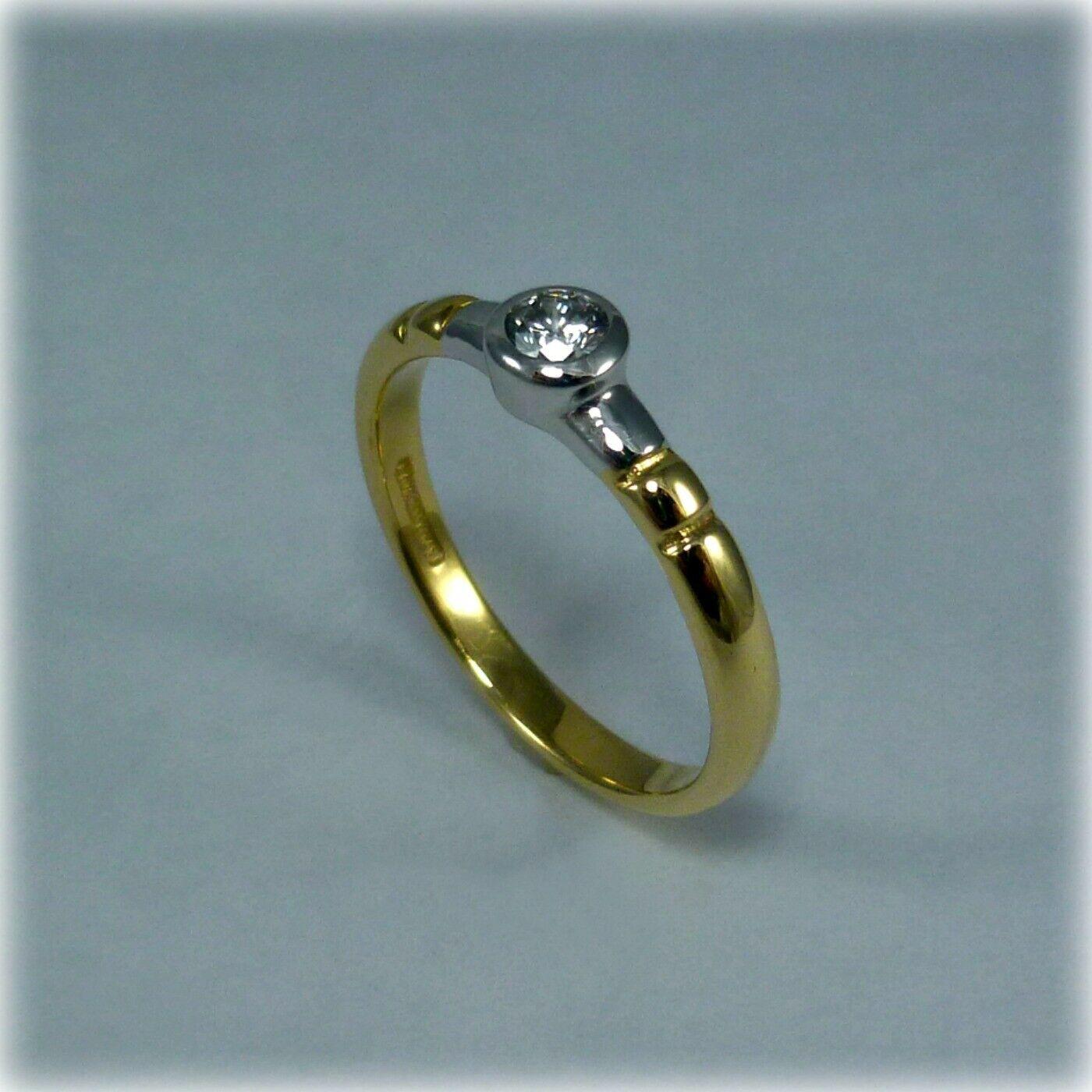 18ct gold Single Stone Diamond Ring