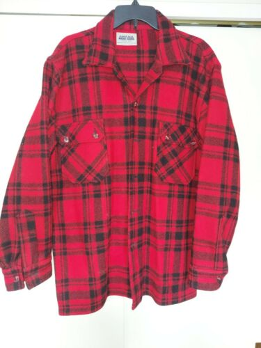 Vintage Amana Woolen Mills Red Black Flannel Mens