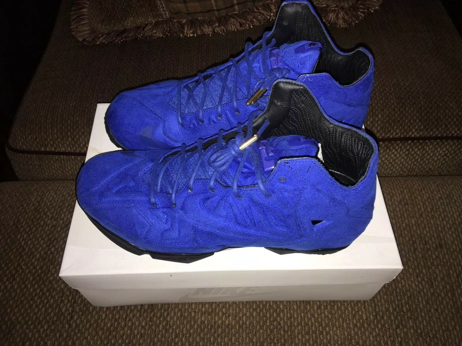Nike Lebron XI (11) EXT Blue Suede Size 11.5 Brand New.