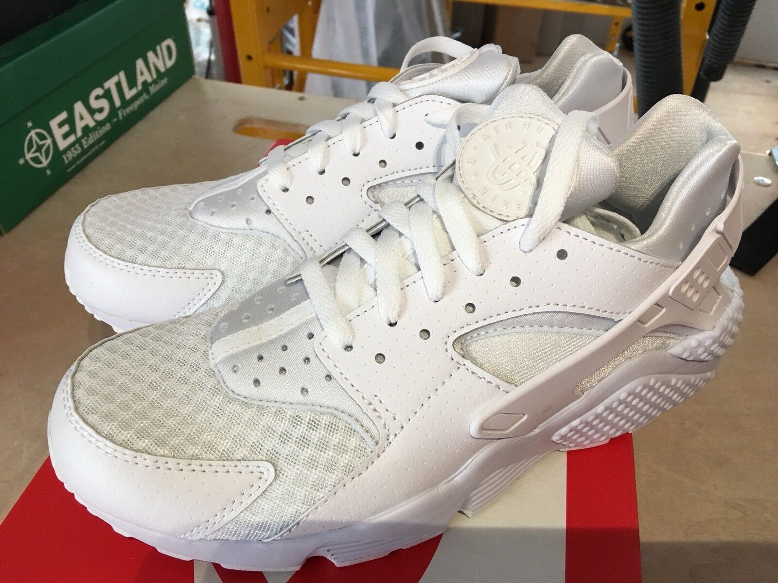 NEW Nike Huarache Pure Platinum Men's 10 US Fits 9 US FREE Shipping in USA